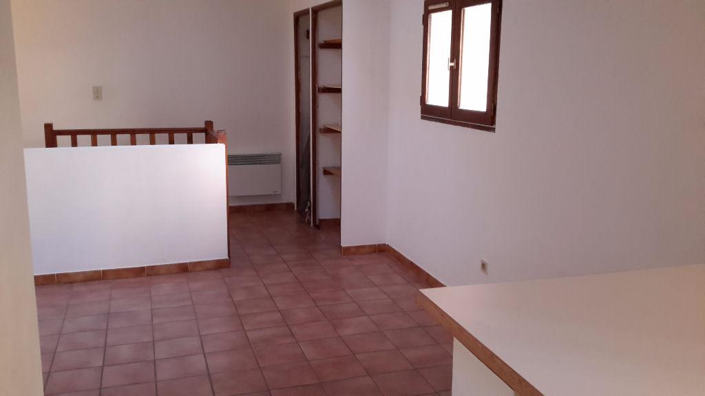 A LOUER VELAUX STUDIO 24 m2