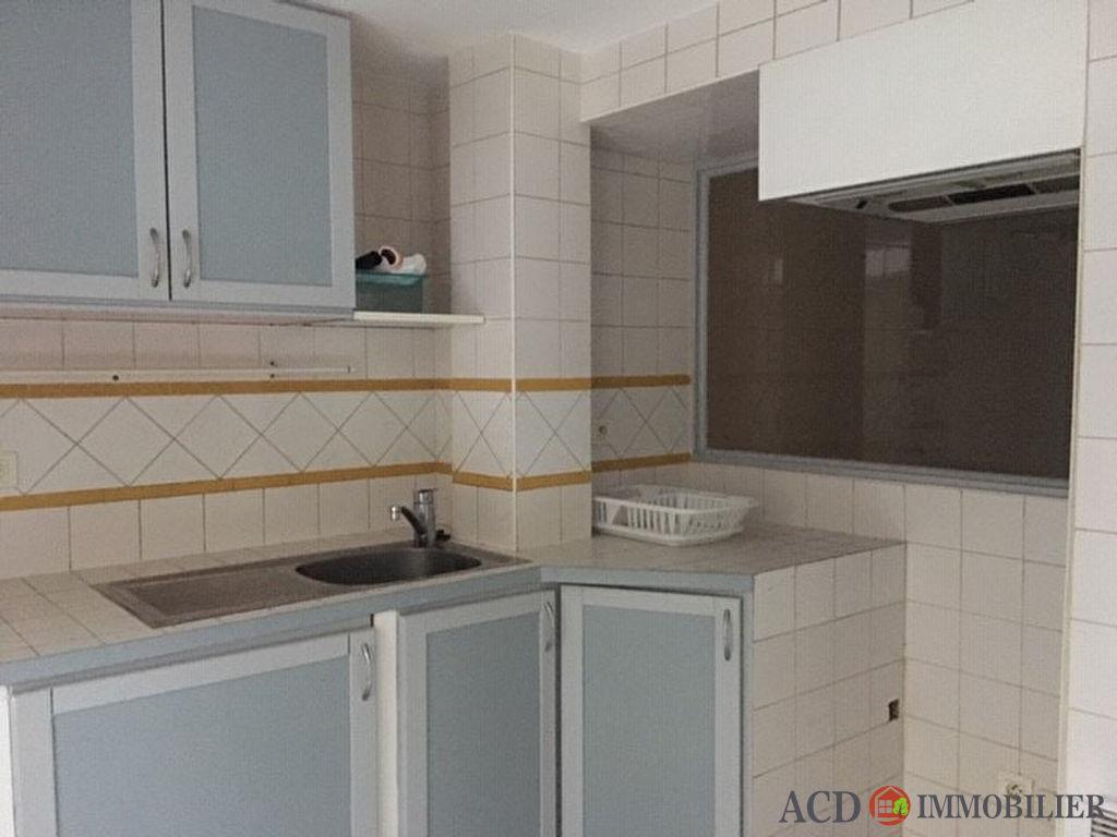 Appartement T2 38.35 m2 -  LA FARE LES OLIVIERS